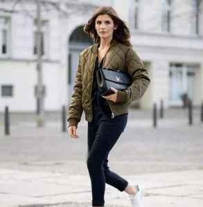 飞行夹克搭配什么鞋子 酷女孩的选择有这些
