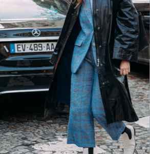 高腰阔腿裤怎样搭配 简约职场风尽显大气魅力