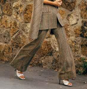 大衣可以搭配凉鞋吗 反季节的反叛街头时尚