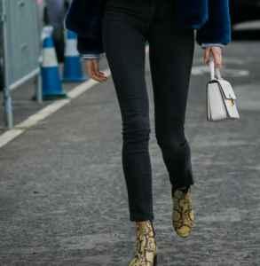 深色衬衫配什么鞋子 帅气优雅大长腿的行走魅力
