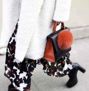 皮草搭配什么裤子 优雅包裹不住的大长腿