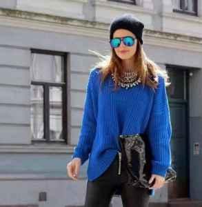 寶藍色毛衣搭配 人群中最亮眼的一抹藍