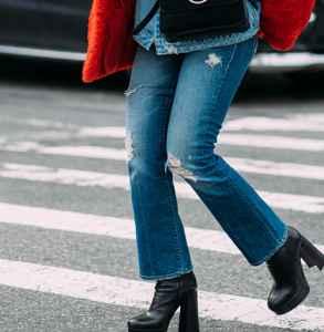 红色棉服配什么裤子 温暖衬肤色气场十足