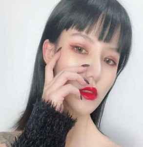 额头大的女生适合什么发型 大额头星人适不适合留空气刘海?