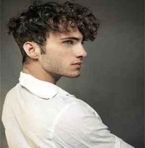 高中男生适合什么发型 打造阳光稳重的型男气质