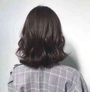 烫了头发怎么打理 抹精油这一步少不了