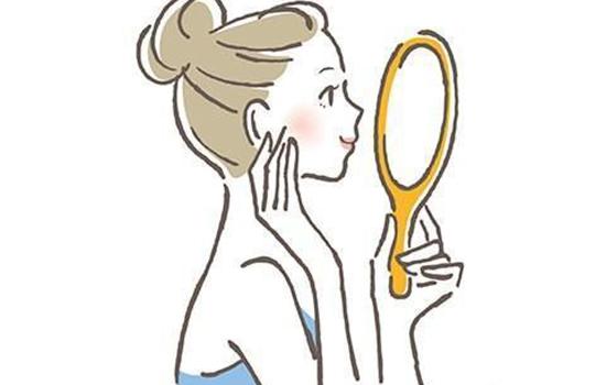脸上长痘痘可以用花露水擦么 花露水涂脸上过敏了怎么办