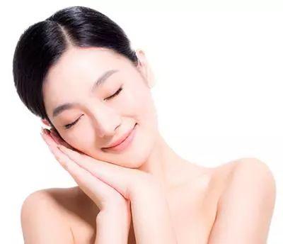 春季皮肤保养 肌肤补水的4个误区!