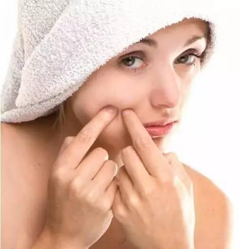 常见的护肤误区 这4个坏习惯会导致肌肤变差