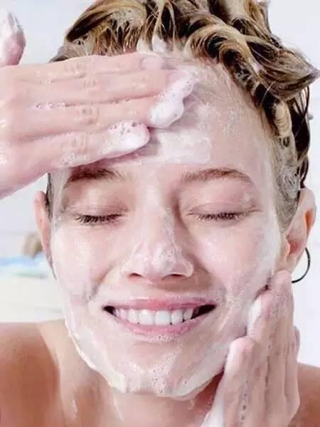 美容护肤小窍门   睡觉前的护肤保养最重要啦
