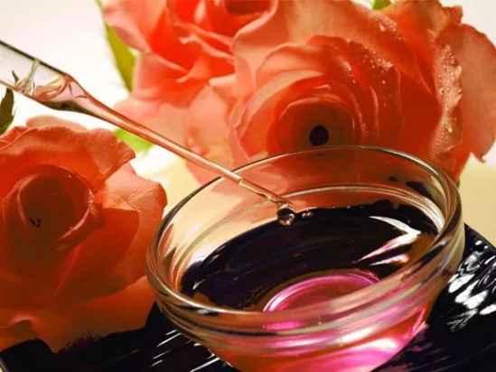 玫瑰精油的好处 八大玫瑰精油的好处介绍