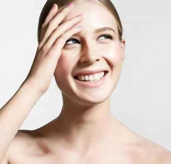 祛斑美白的方法 每天涂点这个在脸上,皮肤白嫩变年轻,想长斑都难!
