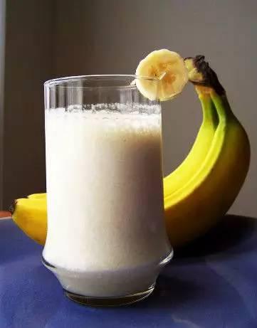 酸奶加什么吃美白祛斑 酸奶加它吃斑点都不见了