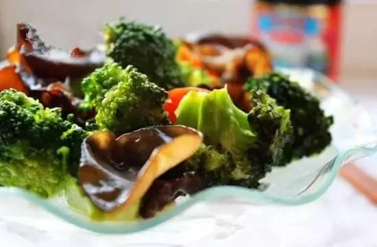 女人吃什么皮肤好 女人常吃这些食物抗衰老