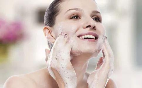 熬夜怎么护肤 夜间护肤的秘密你知道么?