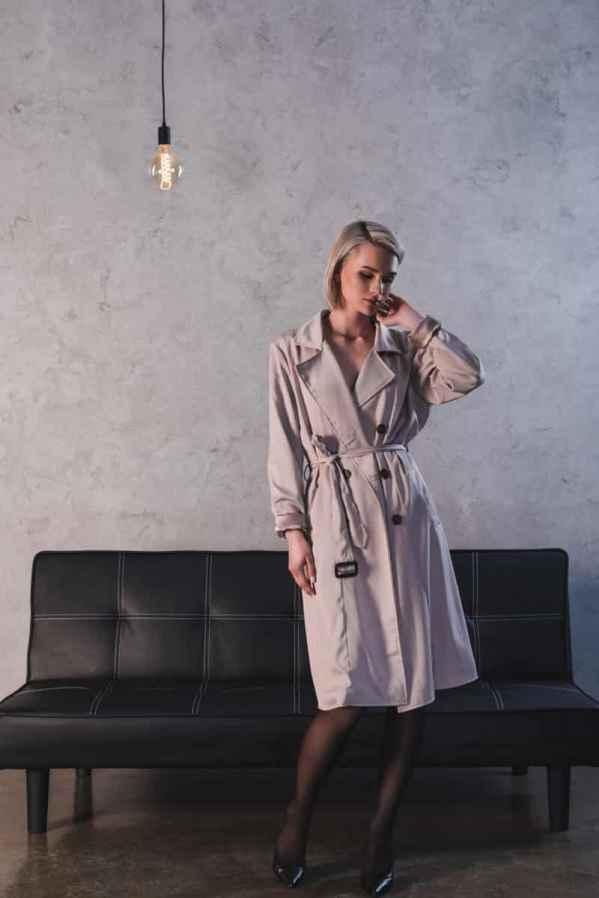 "Emma Roberts(艾玛罗伯茨)凭借""穿衣术""居然看起来比超模还高"