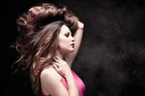 """胸部下垂是怎么引起的 全方位揭秘女人""""胸部缩水""""的原因"""