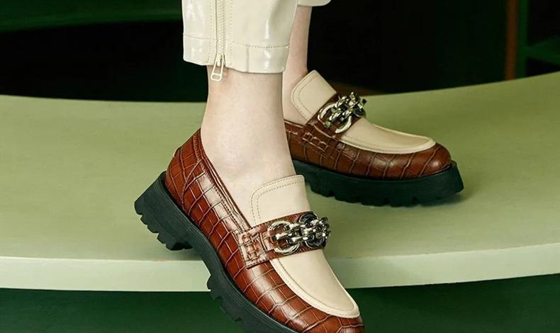 皮鞋小了擠腳怎么辦