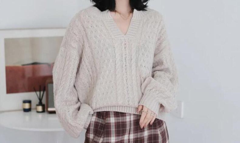 圆脸、肉脸秋冬如何选择合适的毛衣