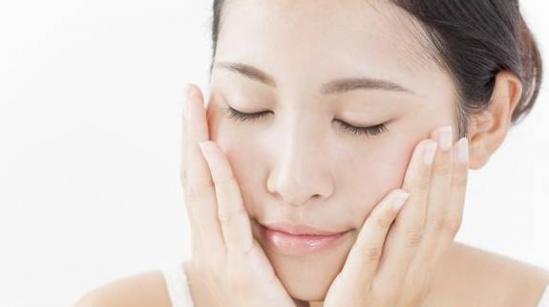 长期对着电脑怎么保护皮肤 常见肌肤问题处理