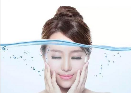 如何给肌肤补水 每日肌肤补水的步骤详解