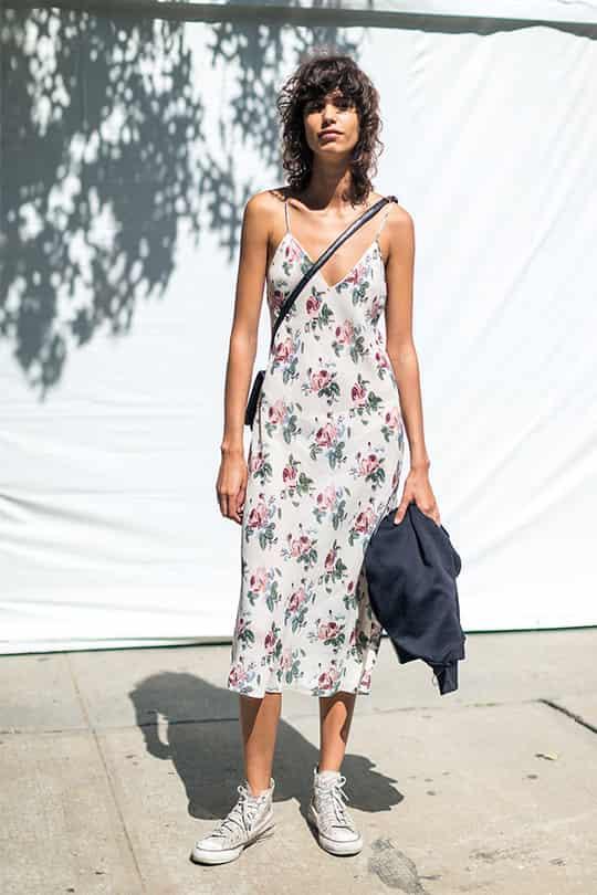 女生穿匡威鞋和万斯哪好看,匡威碎花群仙气又带酷