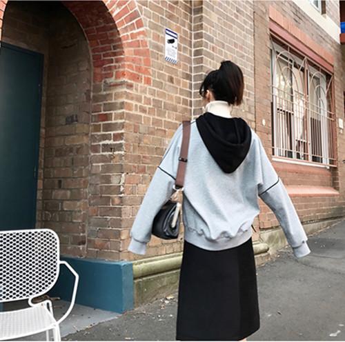 女生灰色卫衣内涵搭配 这些才是脱单的搭配技巧