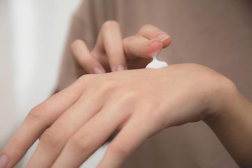 【美天棋牌】水乳和烟酰胺的顺序
