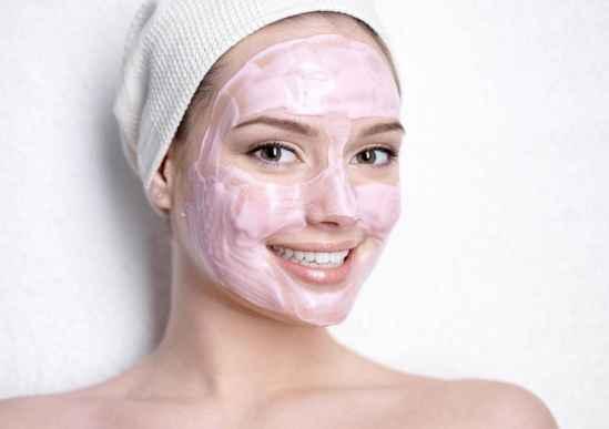 冬天化妆品用乳还是霜 选对护肤品是关键