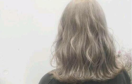 【美天棋牌】不漂色染发会褪色吗 染发后都会慢慢褪色