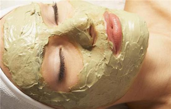先去角质还是先敷面膜 去角质加补水面膜有效解决干燥肌