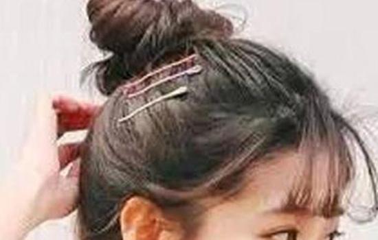 【美天棋牌】头发太塌怎么办 发量稀少、扁塌适合什么发型