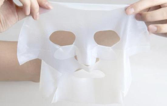 【美天棋牌】女生睡前护肤步骤 把握夜间肌肤护理的黄金时刻