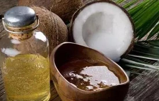 【美天棋牌】洗发前用椰子油还是后 不可错过的护发神器