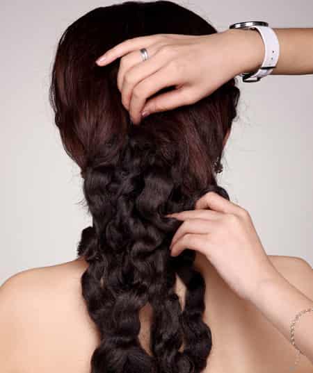 超详图解短发盘发技巧 打造完美韩式新娘发型