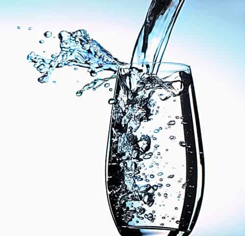 [隔夜白开水能喝吗]隔夜的白开水能不能喝 春季养生小常识