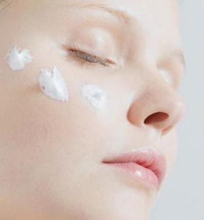 美容护肤图片_2012春季美容护肤秘笈 让肌肤零毛孔白起来