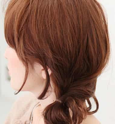今年最流行侧盘发发型 超简单长发盘发图解图片