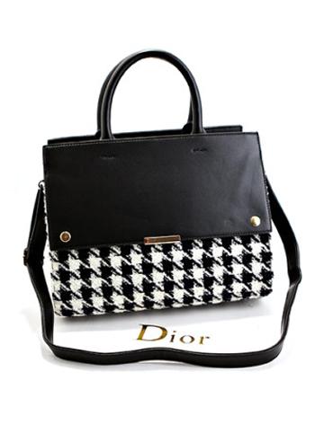 【外貌协会的意思是什么】外貌协会必入 2013新款手提包包的潮流之选
