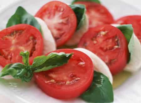 [吃西红柿可以减肥]夜晚利用西红柿减肥 懒人最好的减肥方法