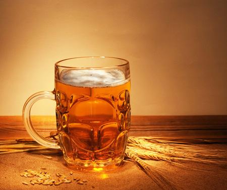 女人抗衰老+缩小毛孔 啤酒保养法焕发新容颜