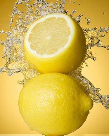 [柠檬减肥法三日瘦七斤]超有效柠檬减肥法 快速排毒瘦身显S曲线