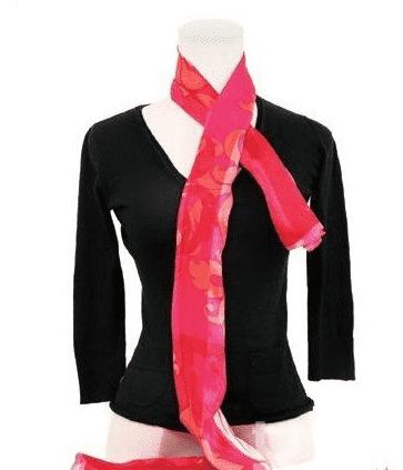 长丝巾的系法图解 玫瑰花结的打法图片
