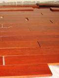 实木地板开裂怎么办 帮你分析原因解决问题