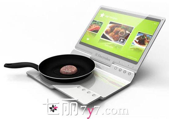 [伊莱克斯电磁炉用法]伊莱克斯笔记本电磁炉 一边做饭一边上网超先进