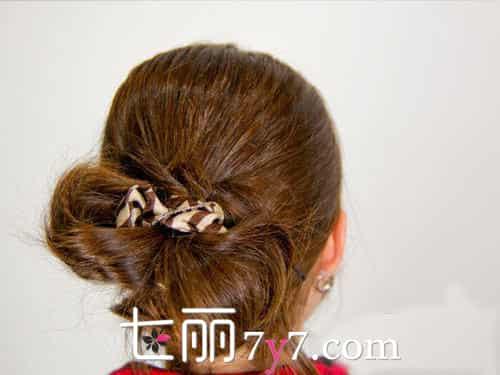 【长直发发型扎法图解】长直发发型扎法 最新浪漫风女人发型