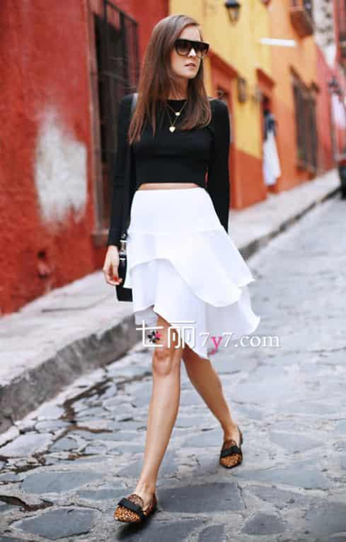 [秋季黑白服装搭配图片]秋季黑白服装搭配 中性风时髦街头范