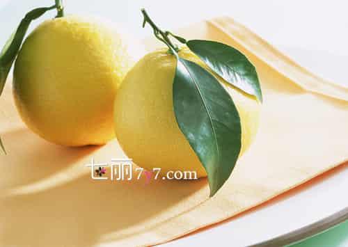[白柚子的功效与作用]早秋柚子白菜减肥瘦身新组合 健康减肥餐吃出诱人曲线