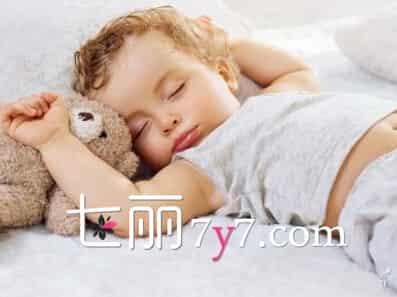 [宝宝晚上磨牙是什么原因]宝宝磨牙是什么原因揭秘 支招睡觉磨牙怎么办