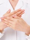 手脚冰凉出汗是怎么回事 冬季手脚冰凉出汗需警惕